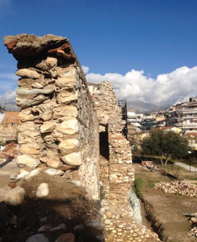 Βυζαντινά τείχη – Χάνια