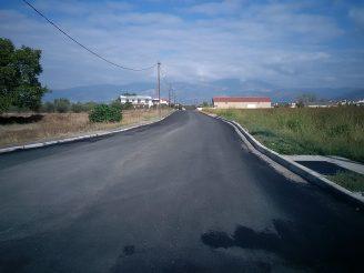 Ο Δήμος Δράμας ολοκλήρωσε τις εργασίες ασφαλτόστρωσης και αντικατάστασης κρασπέδων στην κεντρική είσοδο του οικισμού του Μαυροβάτου.